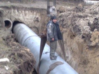 Строительство стальных футляров диаметром 1220 мм под магистральный водопровод, длиной от 30 до 70 метров. г.Золочев. Львовской обл. Грунт мергель 5 категория.